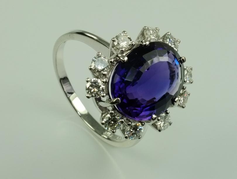 sehr sch ner weissgold ring amethyst diamant brillant 585 gold ebay. Black Bedroom Furniture Sets. Home Design Ideas